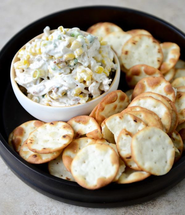 "<strong>Get the <a href=""http://www.howsweeteats.com/2013/05/sweet-corn-bacon-and-scallion-greek-yogurt-chicken-salad/"" targe"