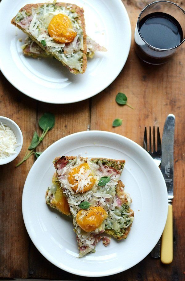 "<strong>Get the <a href=""http://www.versesfrommykitchen.com/2011/10/parmesan-flatbread-with-dandelion-green-onion-pesto-sopre"