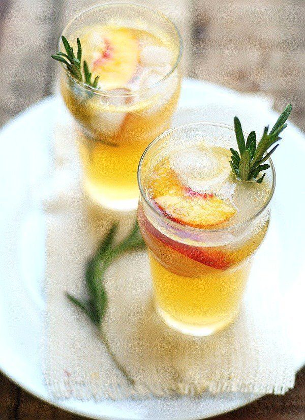 "<strong>Get the <a href=""http://www.versesfrommykitchen.com/2011/09/cocktail-the-shucks-deluxe.html"" target=""_blank"">The Shuc"