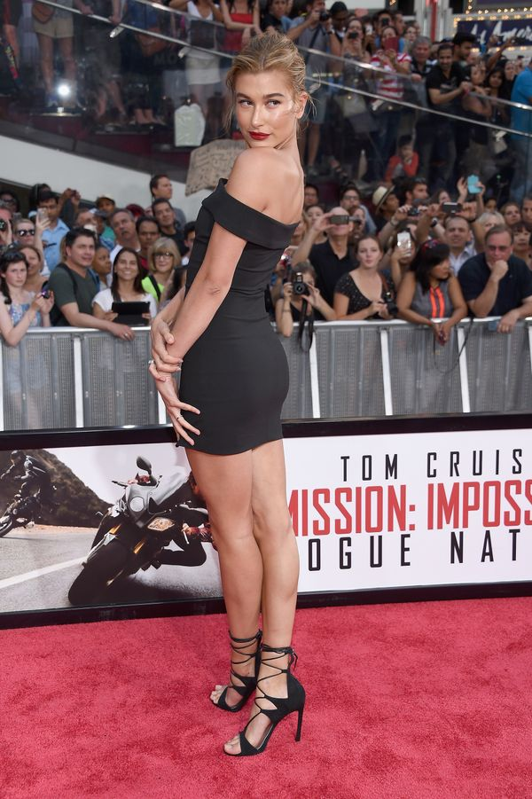 <strong>Hailey Baldwin:</strong> Of course the model looks good in anything, but this LBD is especially great. The off-the-sh