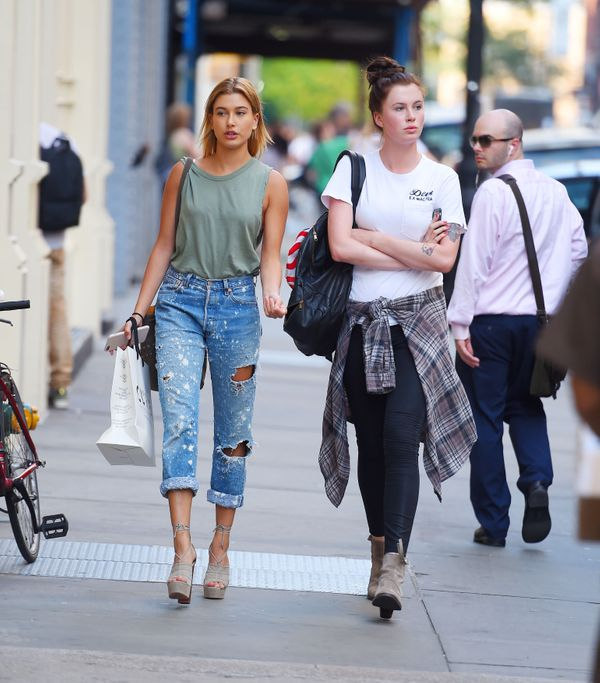 <strong>Hailey Baldwin:</strong> It looks like Baldwin can do off-duty style just as well as red carpet style. Her ripped boy