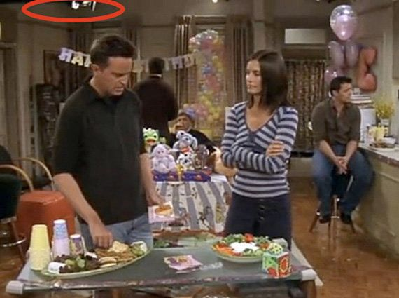 """Season 10, Episode 4: """"<a href=""""https://www.youtube.com/watch?v=UFe_9S328s4"""" target=""""_blank"""">The One With The Cake</a>"""""""