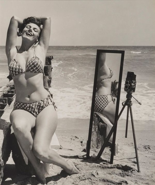 Meet Bunny Yeager The Iconic Pinup Model Turned