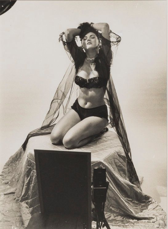 Meet Bunny Yeager, The Iconic Pinup Model Turned ...
