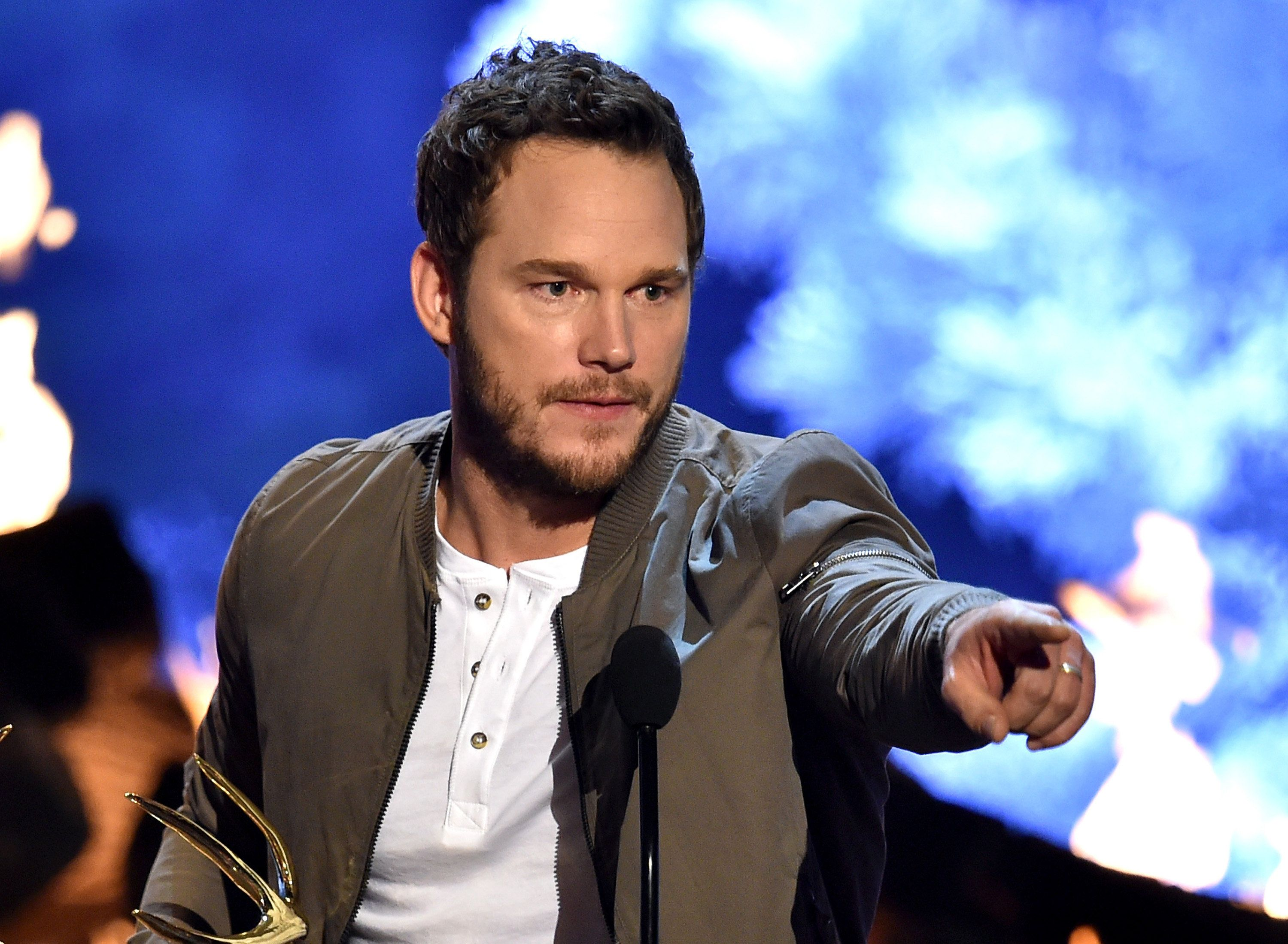 CULVER CITY, CA - JUNE 06:  Actor Chris Pratt accepts the Guy of the Year award onstage during Spike TV's Guys Choice 2015 at Sony Pictures Studios on June 6, 2015 in Culver City, California.  (Photo by Kevin Winter/Getty Images for Spike TV)