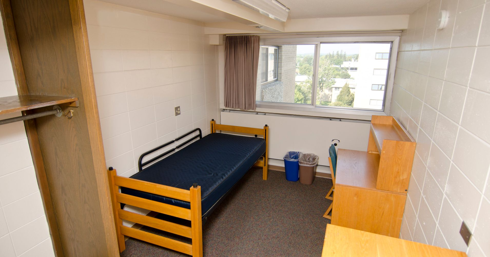 10 College Dorm Room Ideas To Make You Feel More At Home