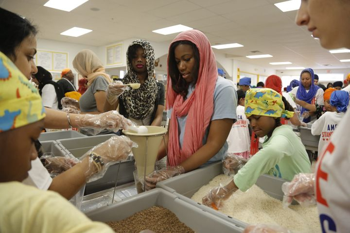 <span>Sikhs in Detroit packed thousands of meals with Kids Against Hunger last year.</span>