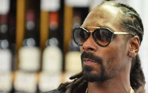 Italian Police Seize $205,000 From Snoop Dogg At Airport In Calabria...