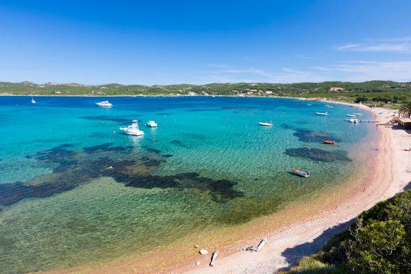 "<a href=""http://www.tripadvisor.com/Tourism-g612416-Bonifacio_Corse_du_Sud_Corsica-Vacations.html"">Mountains spill into beach"