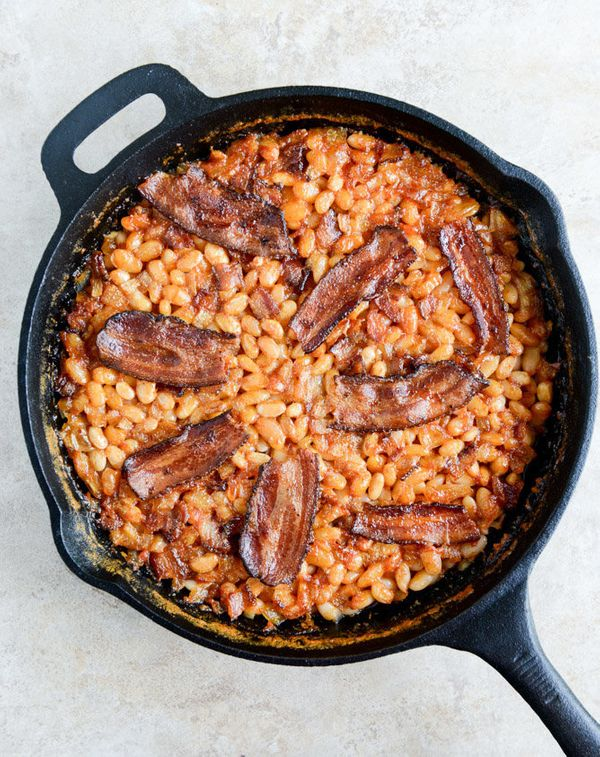 """<strong>Get the <a href=""""http://www.howsweeteats.com/2014/05/skillet-baked-white-beans-on-toast/"""" target=""""_blank"""">Skillet Bak"""