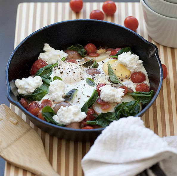 """<strong>Get the <a href=""""http://www.foodiecrush.com/2012/11/friday-faves-and-a-pepperoni-italian-egg-skillet/"""" target=""""_blank"""