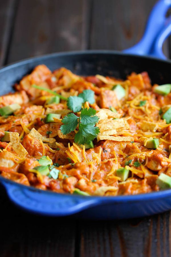 "<strong>Get the <a href=""http://damndelicious.net/2014/02/19/chicken-enchilada-skillet/"" target=""_blank"">Chicken Enchilada Sk"