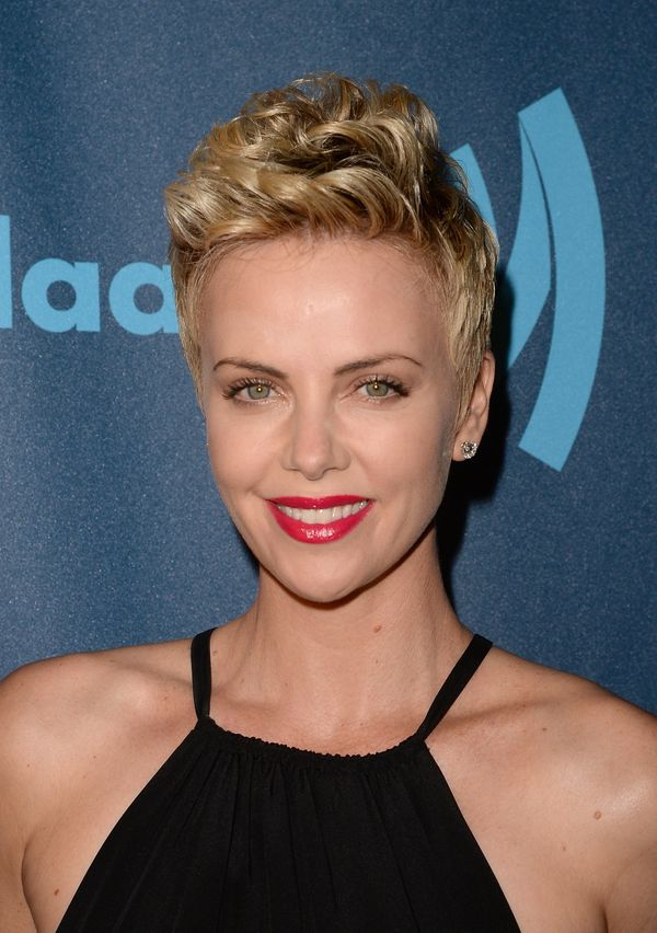 19 Times Charlize Theron Inspired Us To Cut Our Hair Short | HuffPost