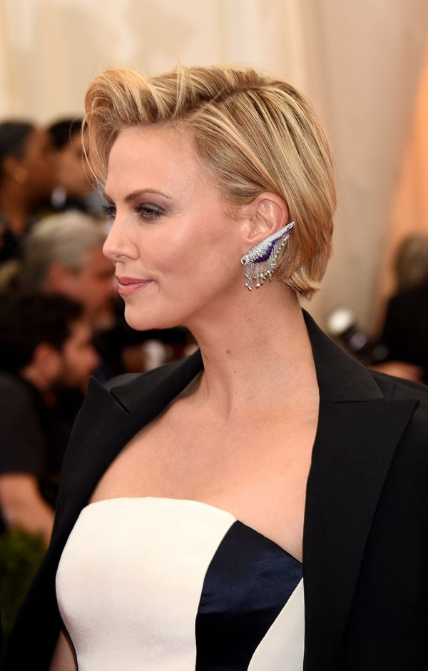 Astonishing Charlize Theron Short Hair Images Short Hair Fashions Short Hairstyles For Black Women Fulllsitofus
