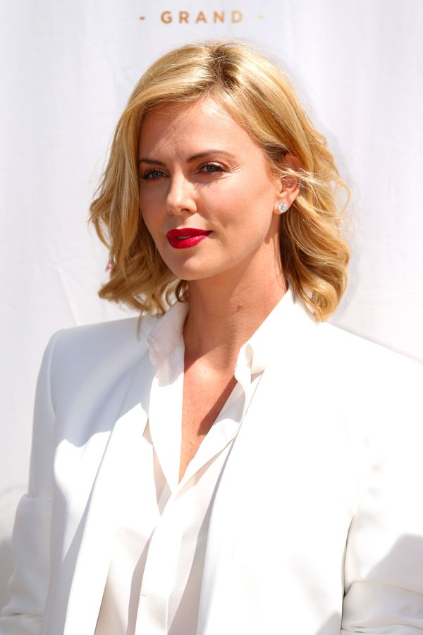 Astonishing 19 Times Charlize Theron Inspired Us To Cut Our Hair Short The Short Hairstyles For Black Women Fulllsitofus