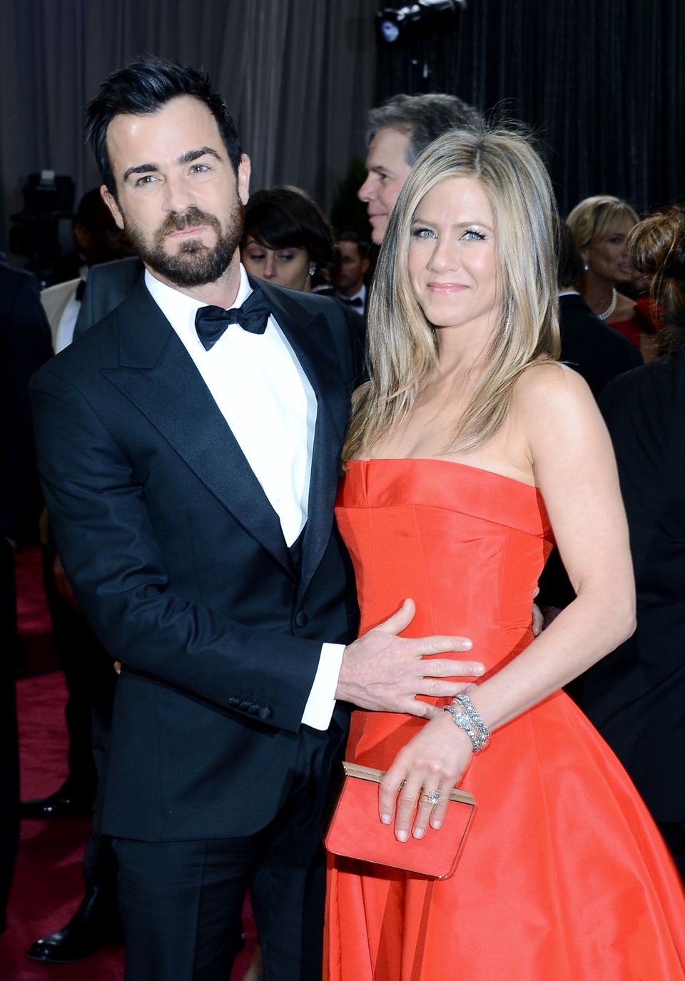 Actors Justin Theroux and Jennifer Aniston arrive at the Oscars at Hollywood & Highland Center on February 24, 2013 in Ho