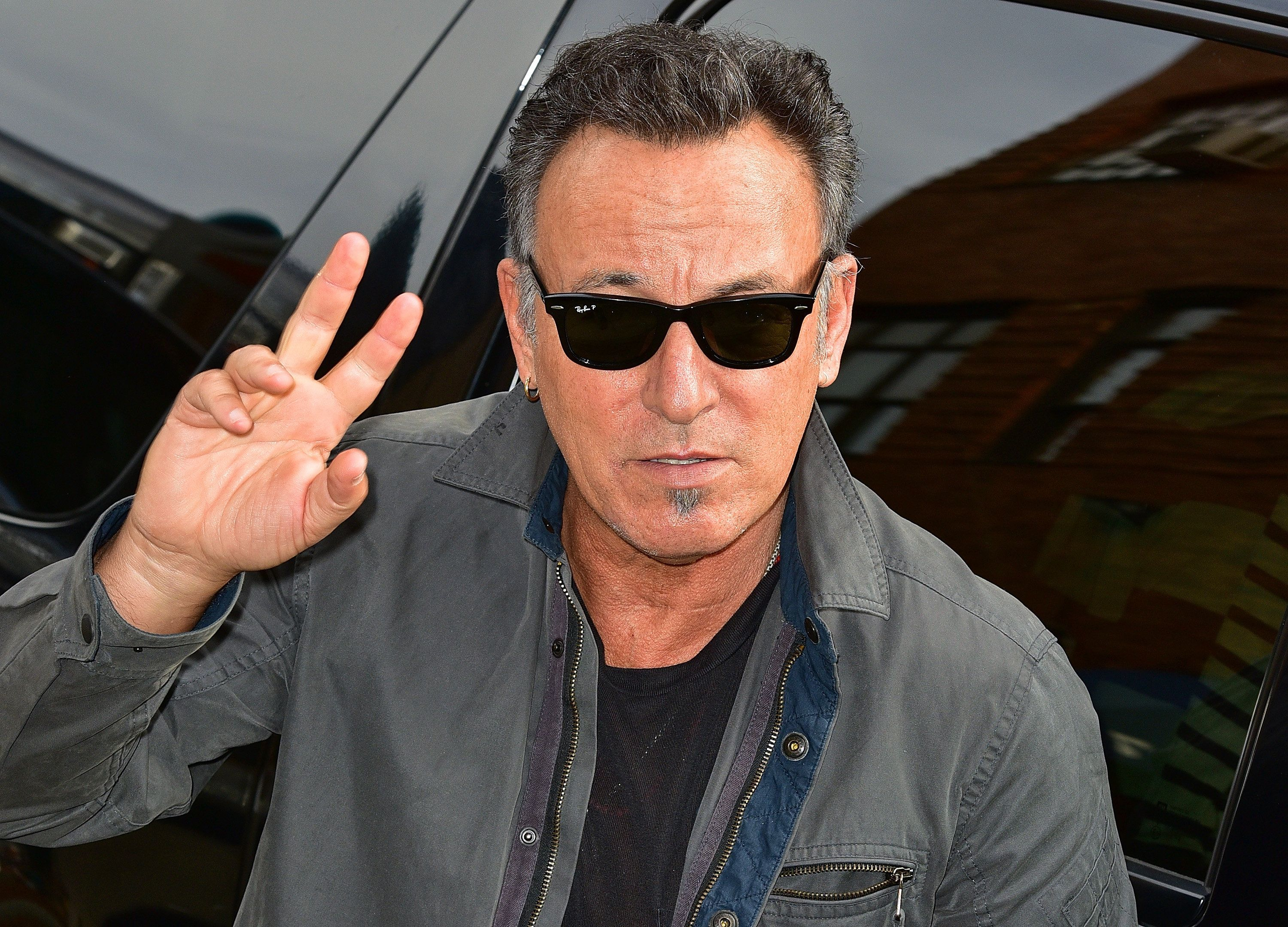 NEW YORK, NY - AUGUST 06:  Bruce Springsteen arrives to 'The Daily Show With Jon Stewart' at The Daily Show Building on August 6, 2015 in New York City.  (Photo by James Devaney/GC Images)