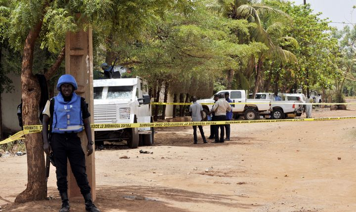 United Nations peacekeeping soldiers guard a UN residence that was attacked by gunmen in Bamako, Mali, on May 20, 2015.