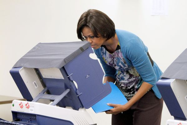 Michelle Obama votes in 2010.