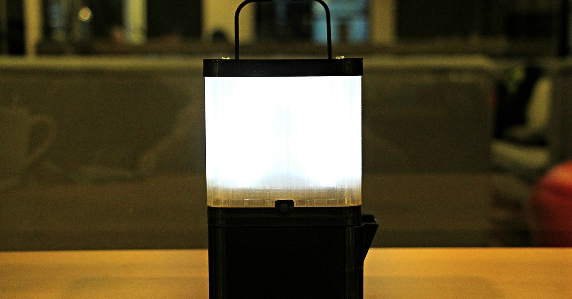 Lamp Uses Saltwater To Bring Light To Impoverished Communities ... for Salt Water Lamp  186ref