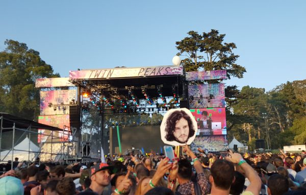 How do you find your friends at a concert of over 200,000 people? San Franciscans get creative. Here, Jon Snow -- and the cam