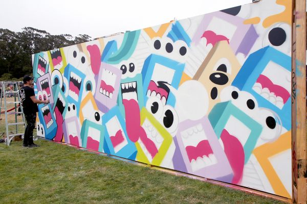 Downtime between sets gave festivalgoers a chance to check out Outside Lands' non-musical acts, including live mural-painting