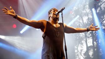 SAN FRANCISCO, CA - AUGUST 07:  Musician D'Angelo performs at the Sutro Stage during day 1 of the 2015 Outside Lands Music And Arts Festival at Golden Gate Park on August 7, 2015 in San Francisco, California.  (Photo by FilmMagic/FilmMagic)