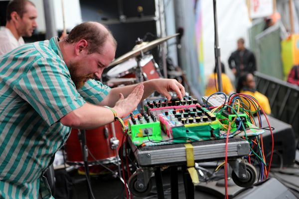 Duringhis set on Sunday, electronic artist Dan Deacon asked the audience to picture the face of a person who has been &