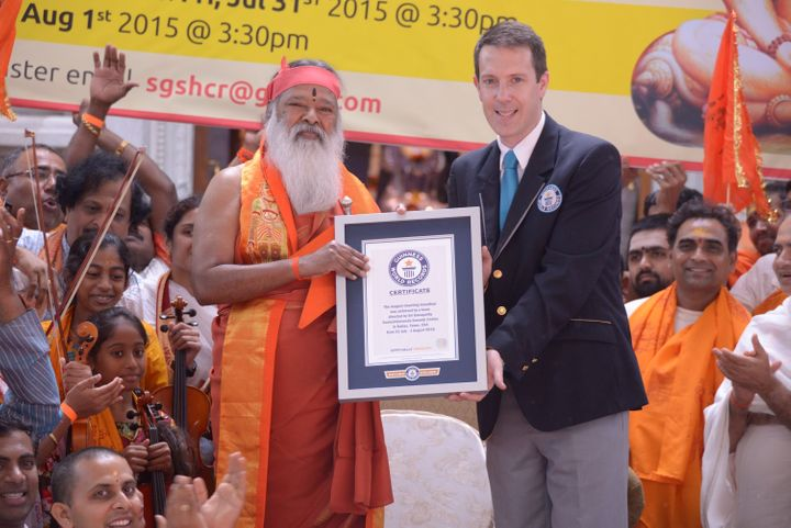 Guinness grants Swamiji with the world record for longest continuous chant.