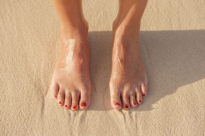 The curious case of a woman who orgasms from her feet for Case da 500 piedi quadrati
