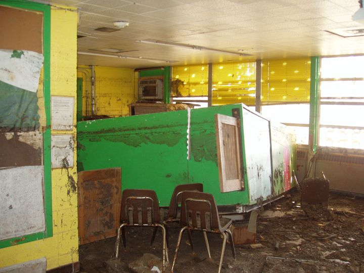 Helen S. Edwards Elementary School in January 2006.
