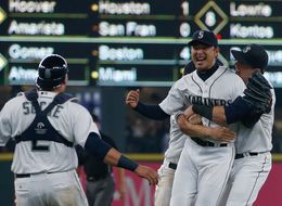 Mariners Hisashi Iwakuma Throws Historic No-Hitter