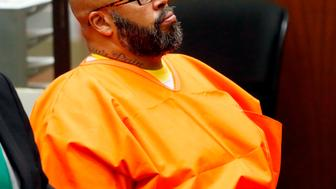 LOS ANGELES, CA - JULY 07: Marion 'Suge' Knight makes a court appearance for assault and robbery charges at Criminal Courts Building on July 7, 2015 in Los Angeles, California.  Knight is charged with robbery and criminal threats after allegedly stealing a photographer's camera during an incident September 5, 2014 in Beverly Hills.  (Photo by Patrick T Fallon-Pool/Getty Images)