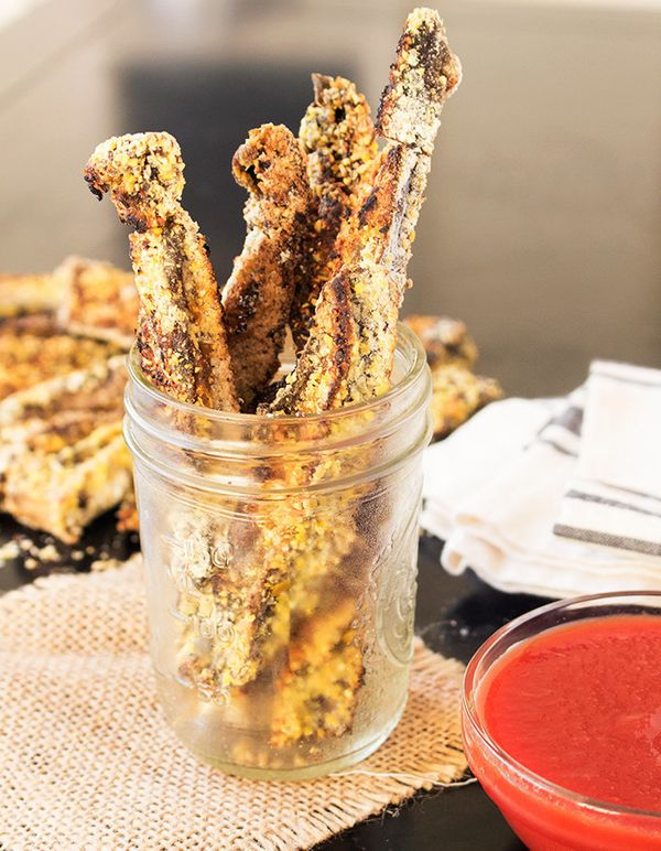 """<strong>Get the <a href=""""http://thesimplekitchen.net/cornmeal-crusted-portobello-mushroom-fries/"""">Cornmeal Crusted Portobello"""