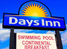 Days Inn Workers Told To Flip Mattress Where Guest Died: Lawsuit