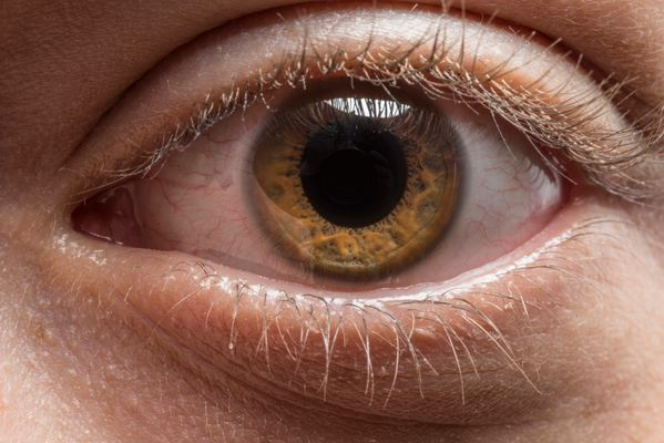 Weird Things Happen When You Stare Into Someone's Eyes For 10