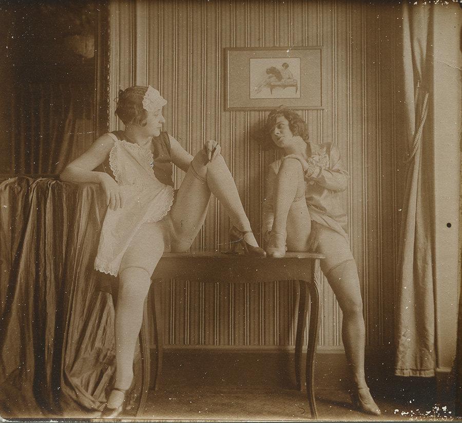 hell-early-erotic-cinema