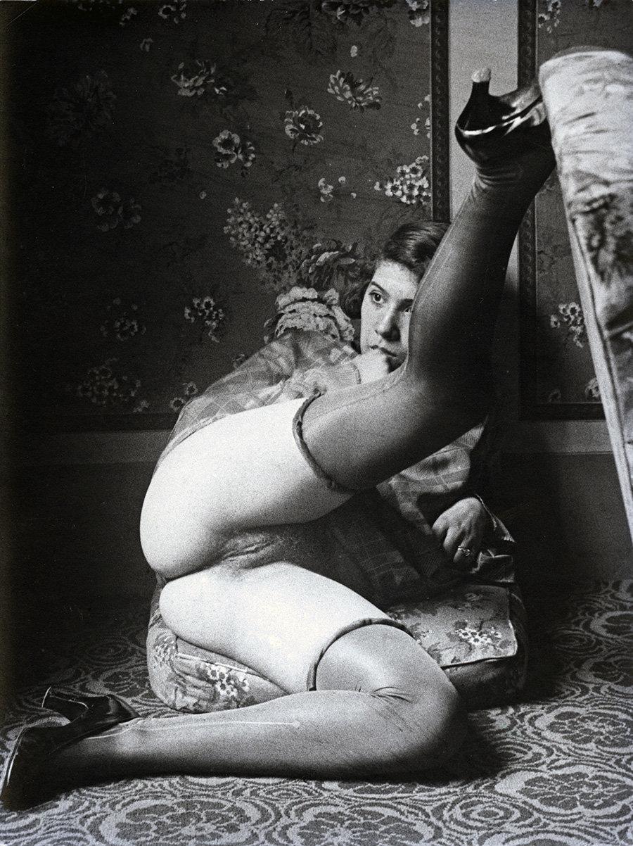 Nude wife hand job i watch