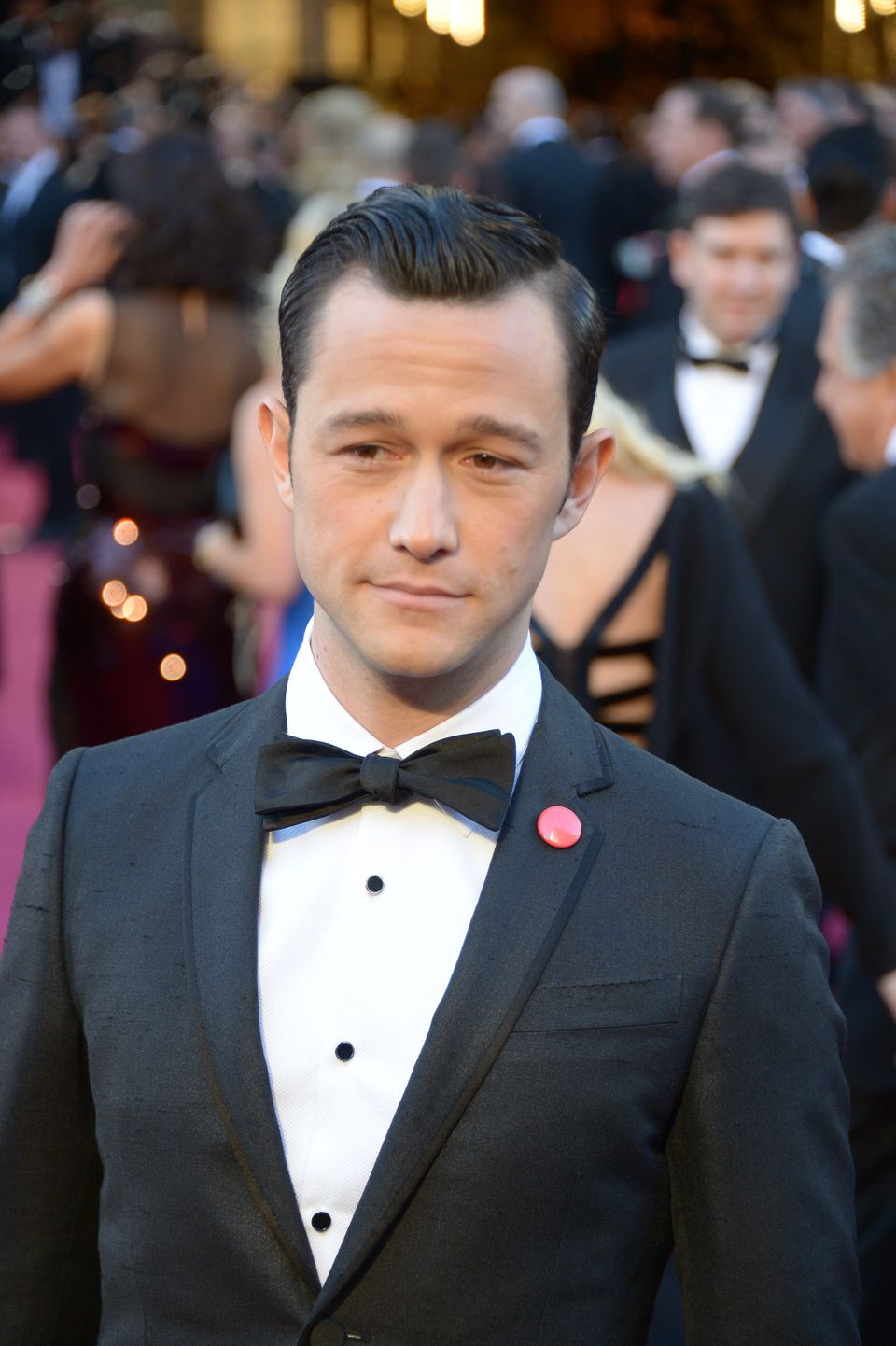 Actor Joseph Gordon-Levitt arrives on the red carpet for the 85th Annual Academy Awards on February 24, 2013 in Hollywood, Ca