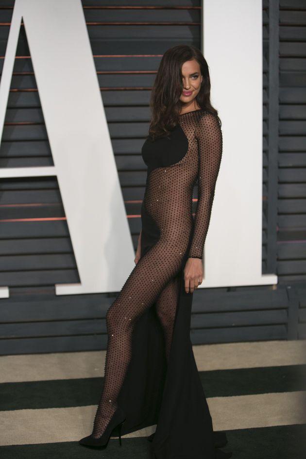 Irina Shayk tại bữa tiệc Vanity Fair Oscar 2015 với