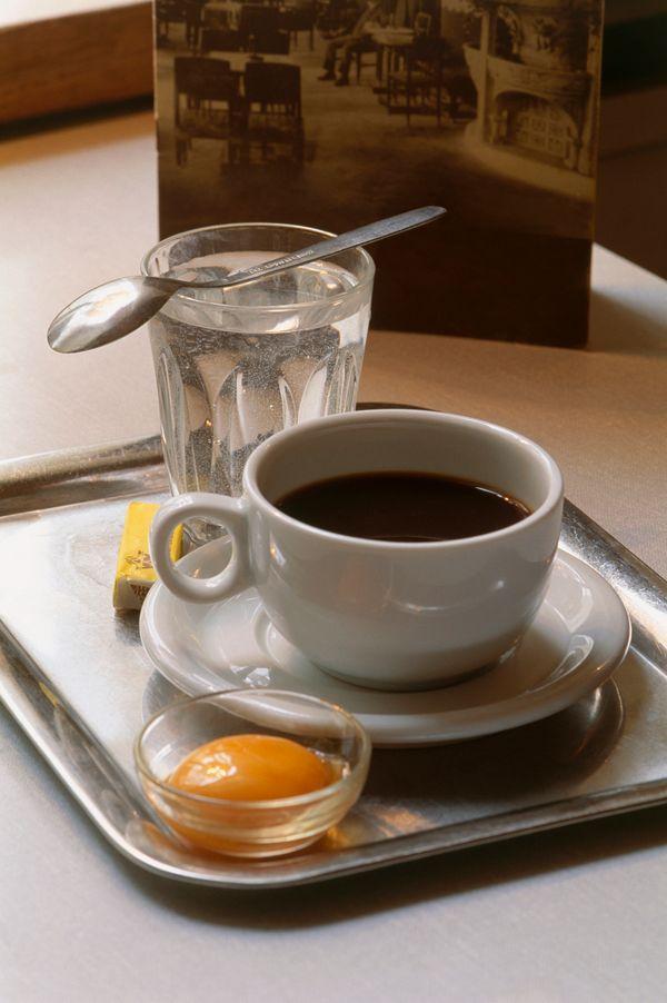 "The kaisermelange (or ""emperor's blend"") is <a href=""http://www.tasteofaustria.org/coffee/"">popular Austrian way of drinking"