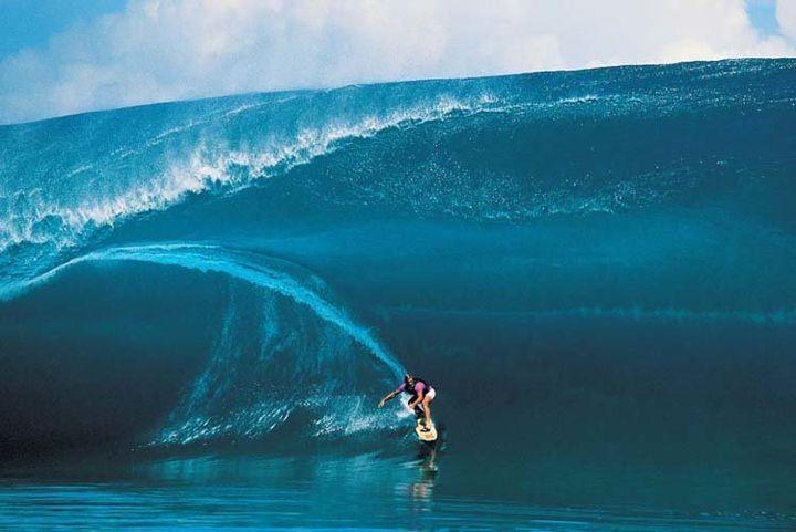 Laird Hamilton surfing Teahupoo in 2000.