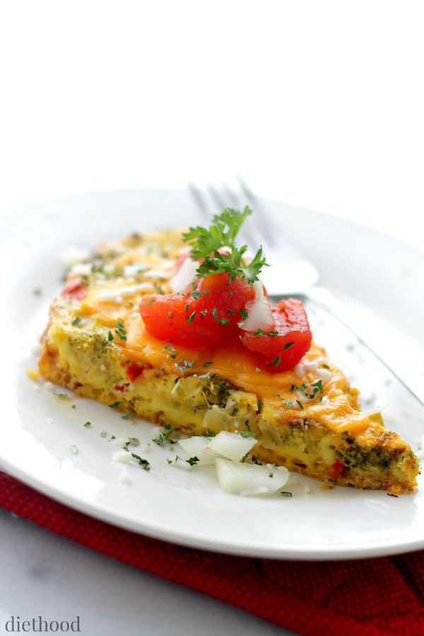 "<strong>Get the <a href=""http://diethood.com/slow-cooker-veggie-omelette/"" target=""_blank"">Slow Cooker Veggie Omelette recipe"