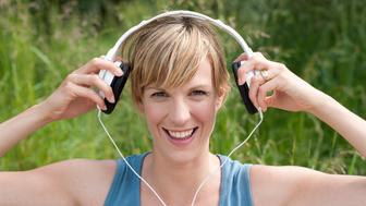 <p>You'll have a better workout if you listen to music while exercising, scientists say.</p>