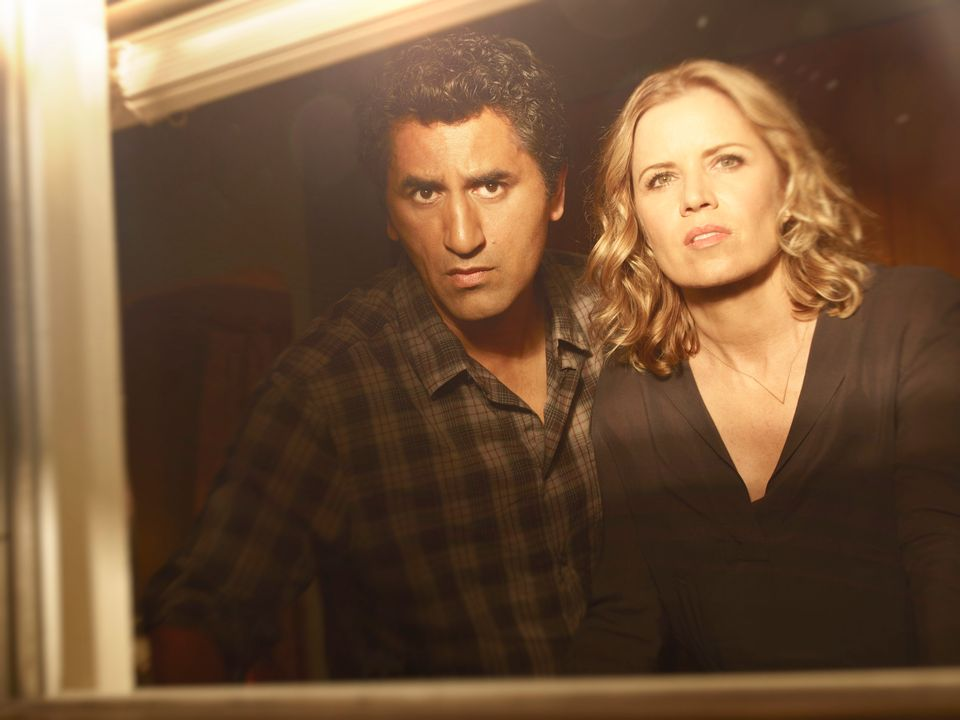 Cliff Curtis as Travis and Kim Dickens as Madison  - Fear the Walking Dead _ Season 1, Gallery - Photo Credit: Frank Ockenfel