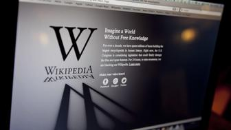 <p>The Russian communications watchdog removed Wikipedia from the list of banned websites early Tuesday, saying that the information in the article had been edited.</p>