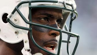 EAST RUTHERFORD, NJ - NOVEMBER 27:  (NEW YORK DAILIES OUT)   Plaxico Burress #17 of the New York Jets looks on against the Buffalo Bills on November 27, 2011 at MetLife Stadium in East Rutherford, New Jersey. The Jets defeated the Bills 28-24.  (Photo by Jim McIsaac/Getty Images)