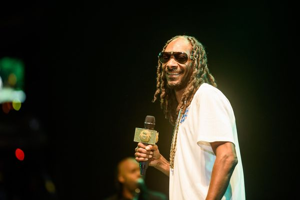 "<a href=""http://www.esquire.com/entertainment/interviews/a4723/snoop-dogg-0708/"">&ldquo;It makes me feel the way I need to fe"