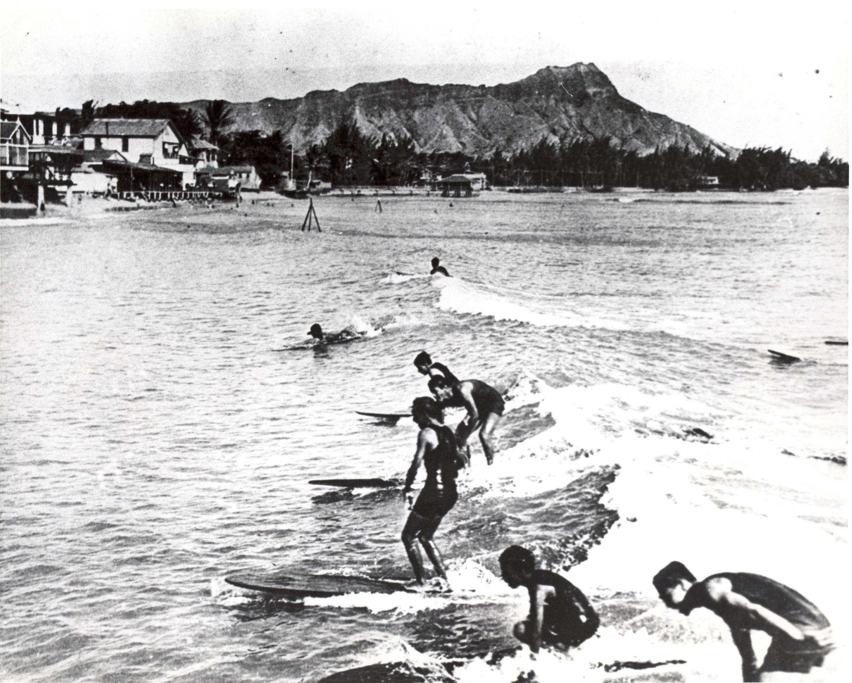 jvsmoana surfriderwavesoceanpiersurfboardSurfers early 1900sDiamond Headsurfinghorizontal