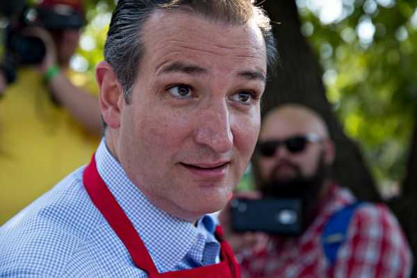 "<a href=""http://www.dailymail.co.uk/news/article-2938198/Top-Republican-contender-Ted-Cruz-foolishly-experimented-marijuana-c"